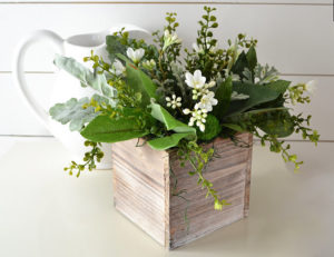 Farmhouse Style Centerpieces-The Scoop for Mommies